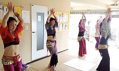 2013年秋はトライバルベリーダンスの演目を踊ります。横浜・町田・二俣川・鎌倉で開催しているベリーダンスクラスLilas。
